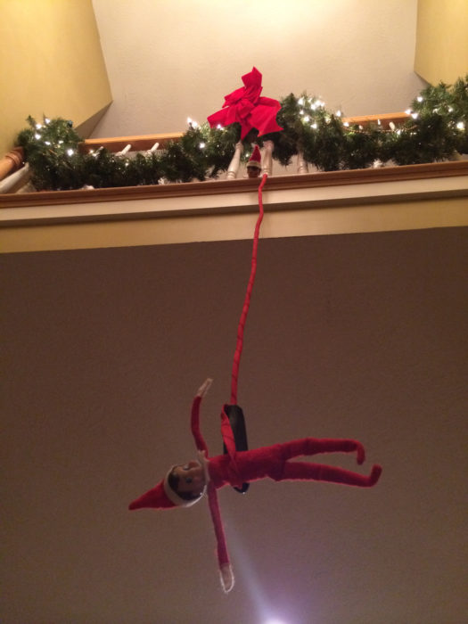 elf-on-the-shelf-bungee-jumping