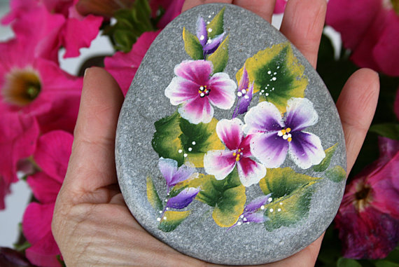 hand-painted-stone