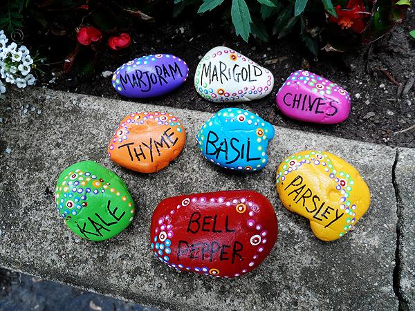 painted-rock-garden-markers
