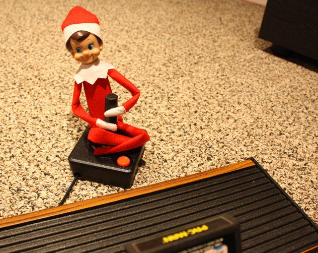video-game-playing-elf