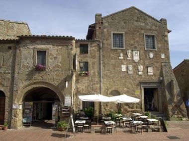 Palazzo Pretorio en loggia dei Capitani