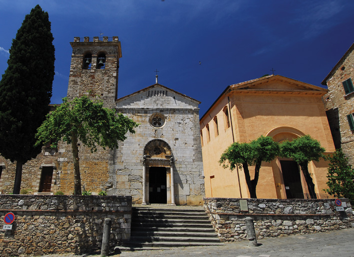 links de Pieve di San Giusto en rechts de kerk San Michele di Arcangelo