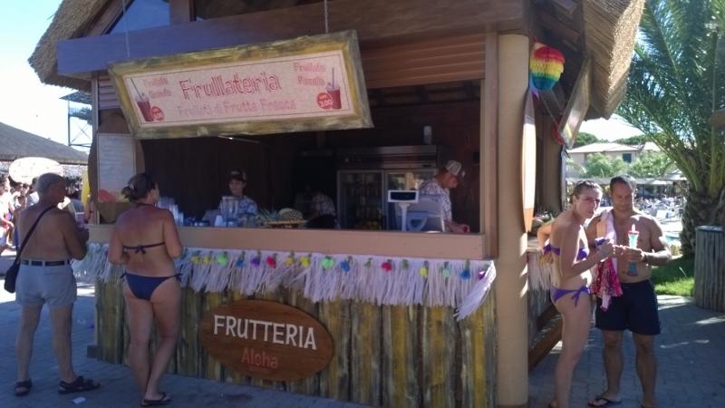 fruitmilkshake bar