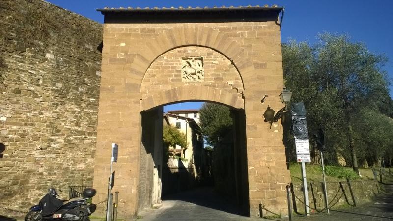 Firenze - Borgo San Niccolò - Porta San Giorgio (800x450)