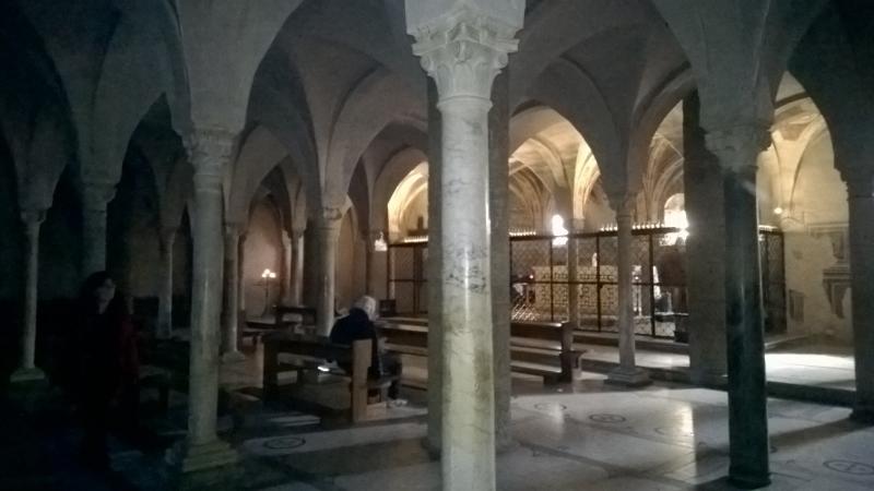 de crypte waar de heilige St. Minias begraven ligt