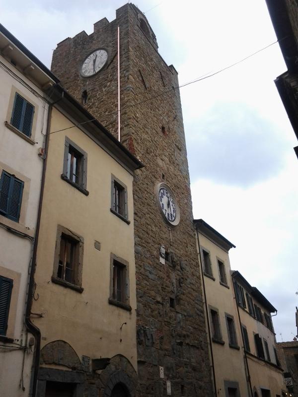 Palazzo pretorio met stadstoren