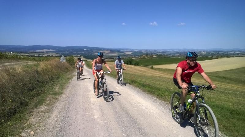 heerlijk fietsen op de strade bianche
