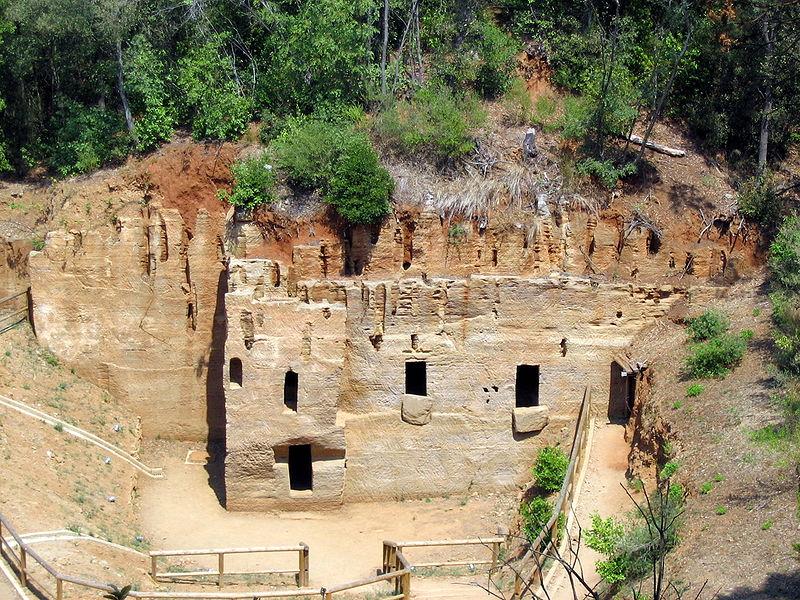 Etruskische graven in Populonia