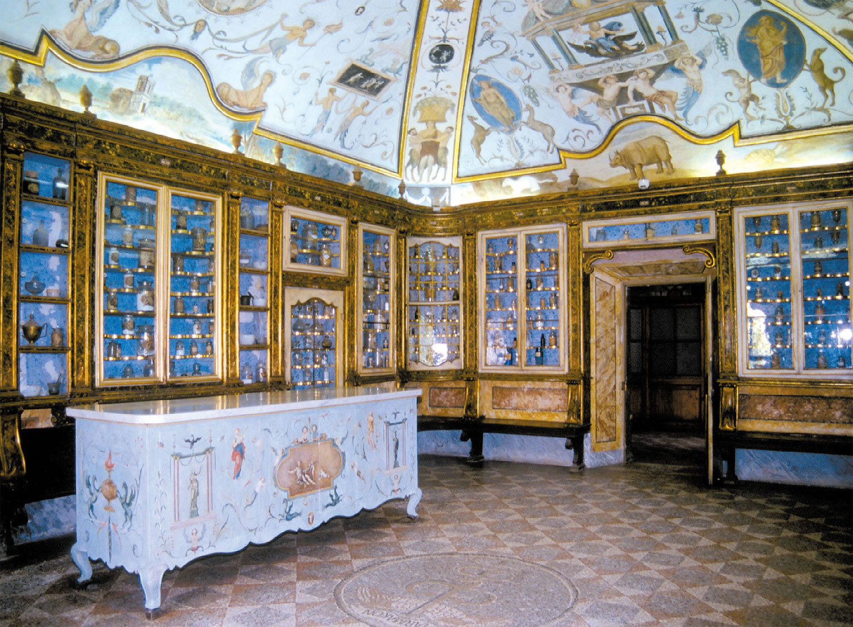 de antieke apotheek van Certosa di Calci Pisa