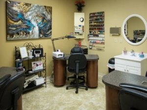 manicure room at The Ritzz in Billings Montana
