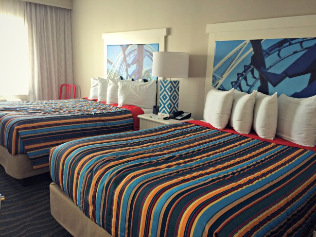 Hotel Breakers Bedroom