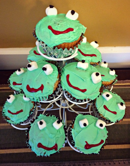 Frog Party Cupcakes