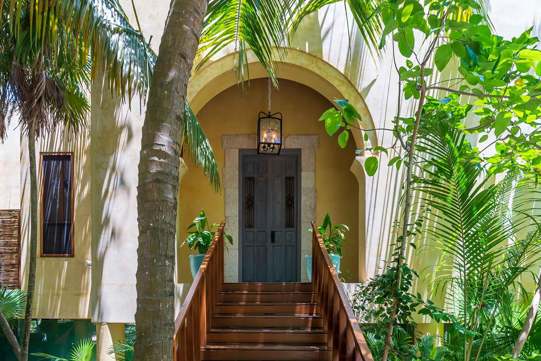 Entrance to Hacienda Chekul