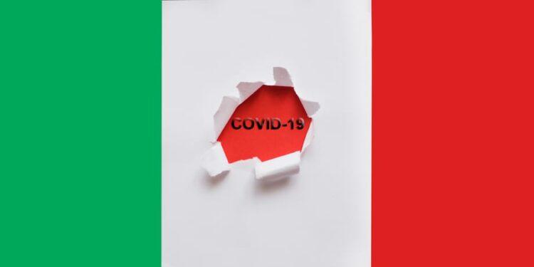 Inician a vacunar en Italia