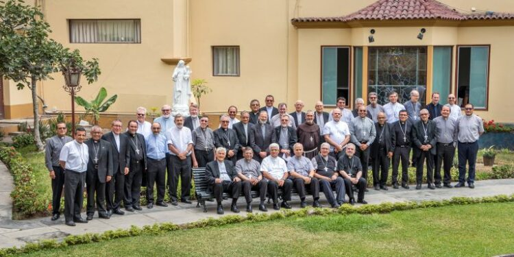 Perú Obispos