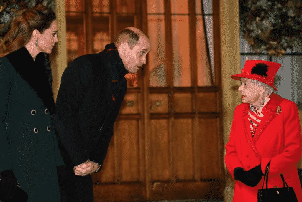 Weekly Fave 5 , What to wear where Karen Klopp, Vogue How the Royal Family is spending christmas this year.