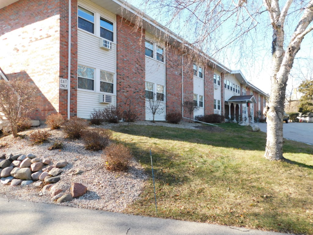 West bend apartment for rent