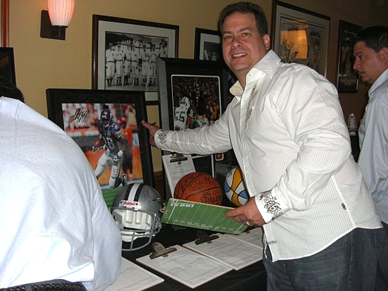 Jeff Silverman bidding on an Upper Deck Authenticated item.