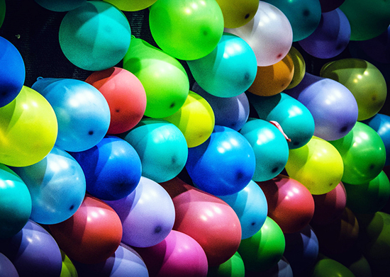 Balloon-Pop-Event-National-Hockey-Card-Day