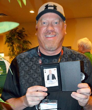 2015-beckett-las-vegas-industry-summit-collectibles-sports-cards-upper-deck-autograph-mark-mcgwire