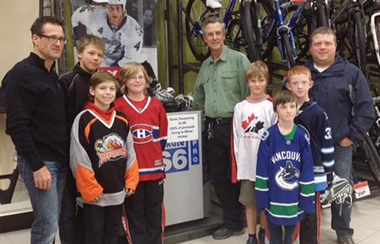 Youth-Hockey-Sponsor-Upper-Deck-Universal-Amateur-Canada-Co-Op-Hobby-Shop-Partnership-House-League-3