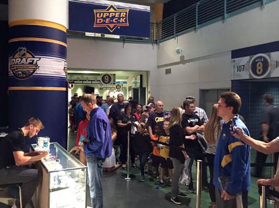 2016-NHL-Draft-Upper-Deck-First-Niagra-Buffalo-Noah-Hanifin-Autograph-Signing-Long-Line