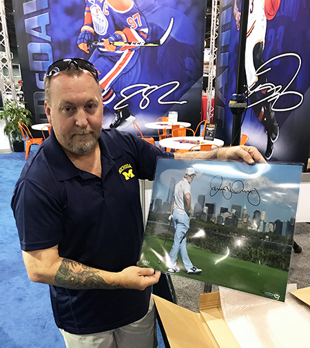 Upper-Deck-Authenticated-Monumental-Volume-1-Multi-Sport-National-Sports-Collectors-Convention-Rory-McIlory-Autographed-Photo