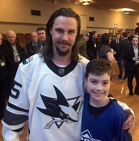 2019-upper-deck-nhl-all-star-media-day-kid-correspondent-player-erik-karlsson
