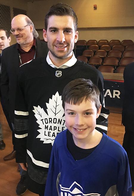 2019-upper-deck-nhl-all-star-media-day-kid-correspondent-player-john-tavares