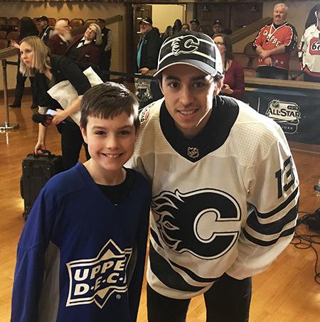 2019-upper-deck-nhl-all-star-media-day-kid-correspondent-player-johnny-gaudreau