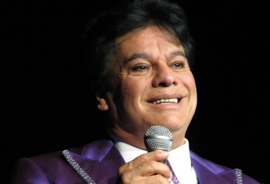 NM Universo Remembers Juan Gabriel