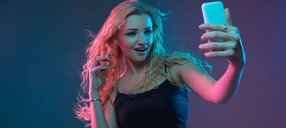 Articulo Modelos webcam aplican estos tips para tomar fotos profesionales con el celular img1