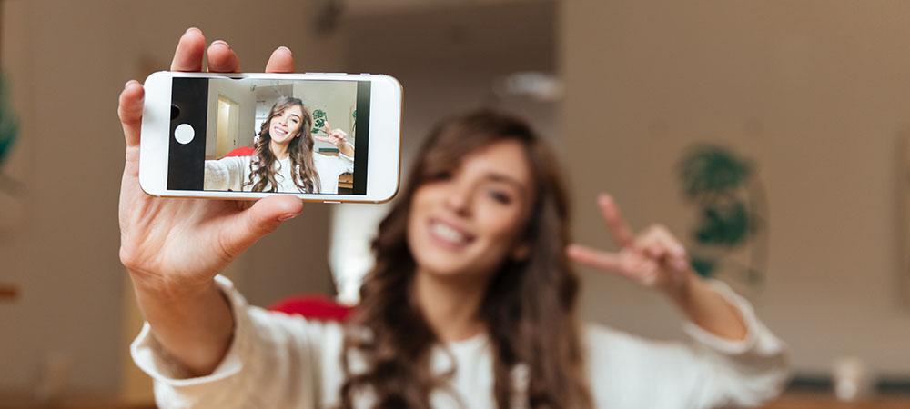 Articulo Modelos webcam aplican estos tips para tomar fotos profesionales con el celular img3