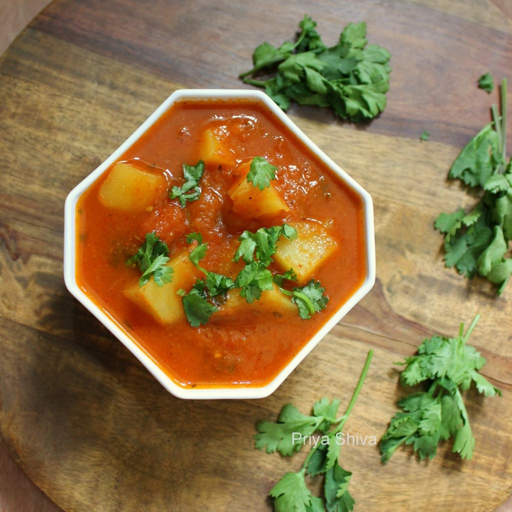 tariwale aloo, sabzi, curry