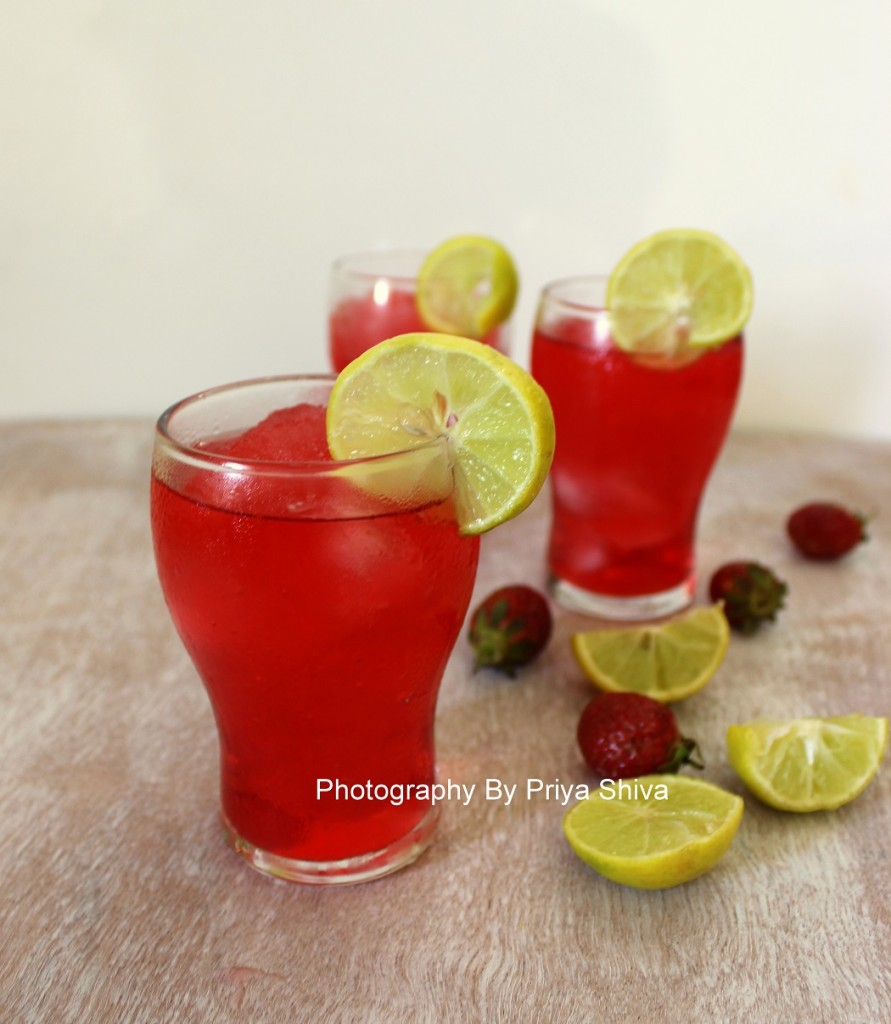 sparkling strawberry lemonade, mocktail