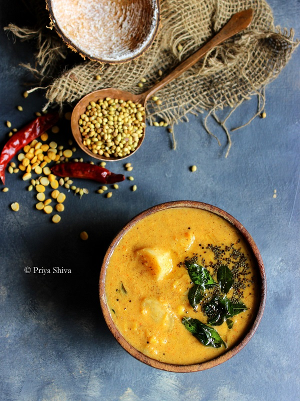 Arachuvitta Mullangi Sambar - radish sambar recipe