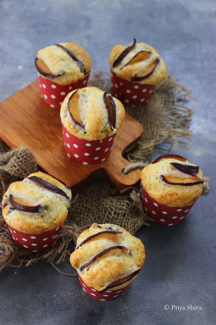 eggless plum muffin