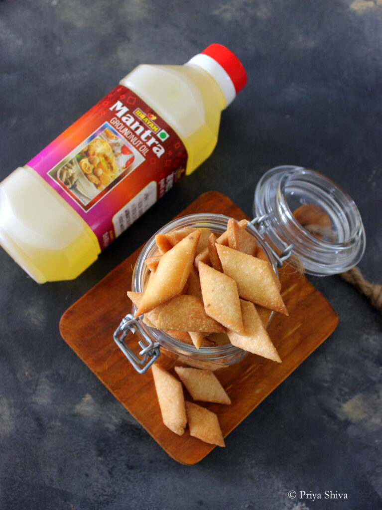 sweet maida biscuits with Idhayam Mantra groundnut oil