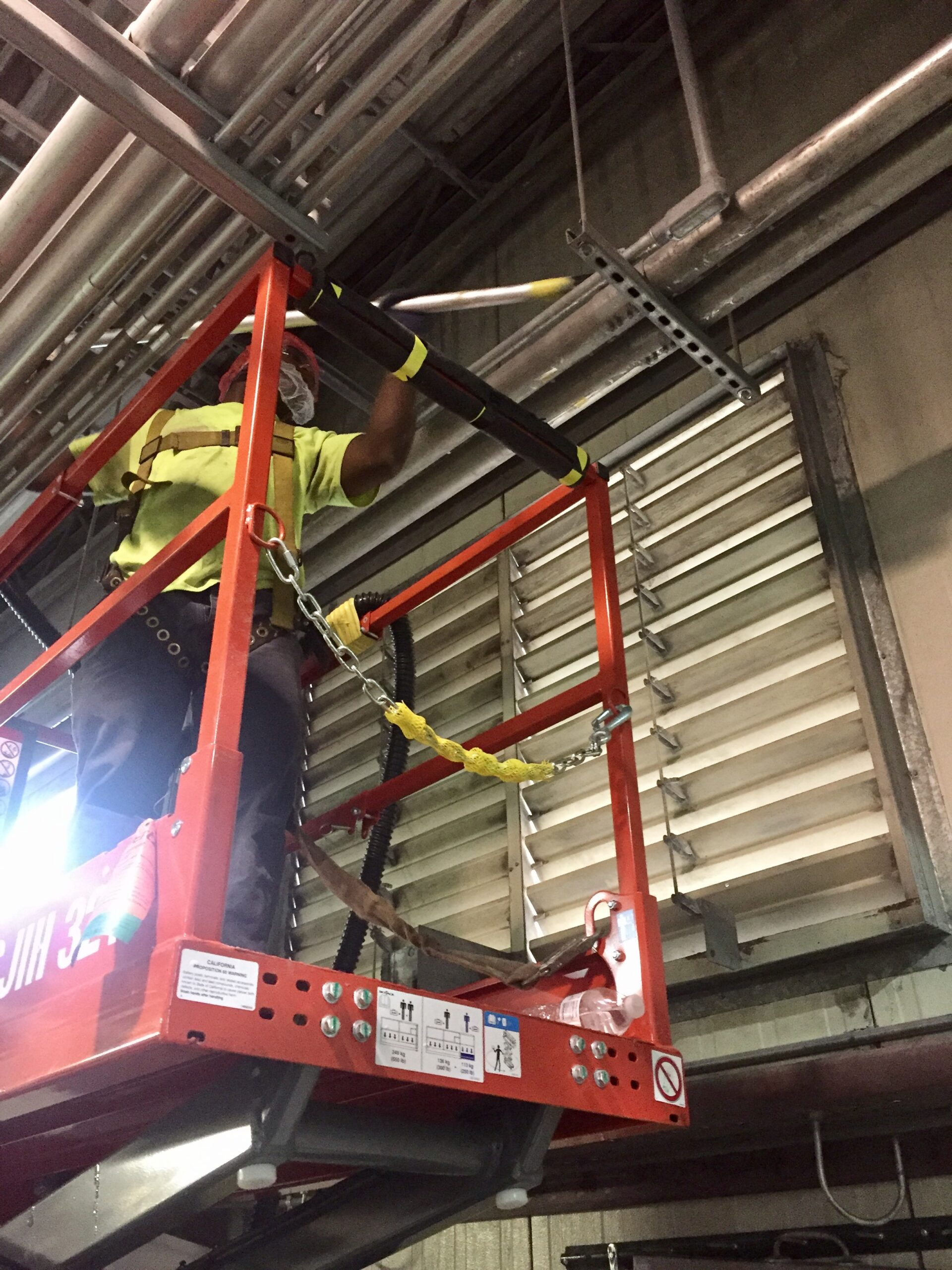 Combustible Dust Cleaning On Lift