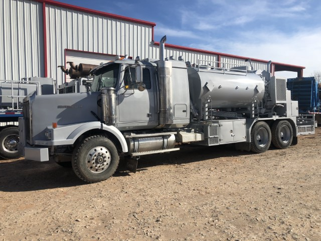 (1 of 2) 2005 WESTERN STAR Cement Pumper (M) (Small)