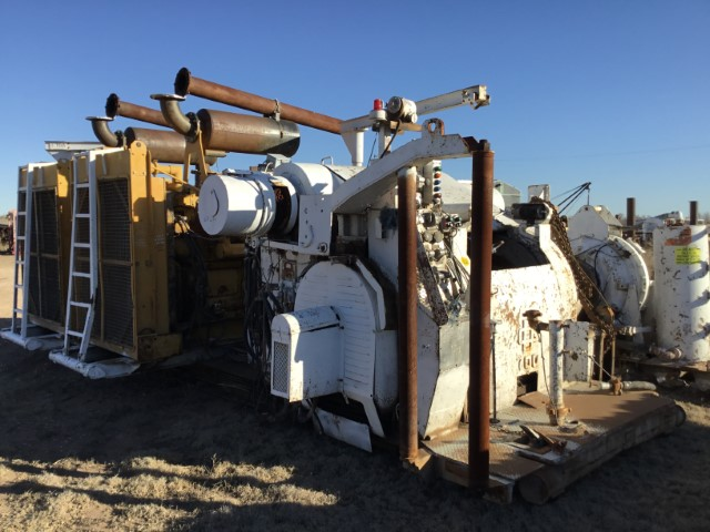 GDENVER 700M Drawworks pb (2) CAT D379's (S) (Small)