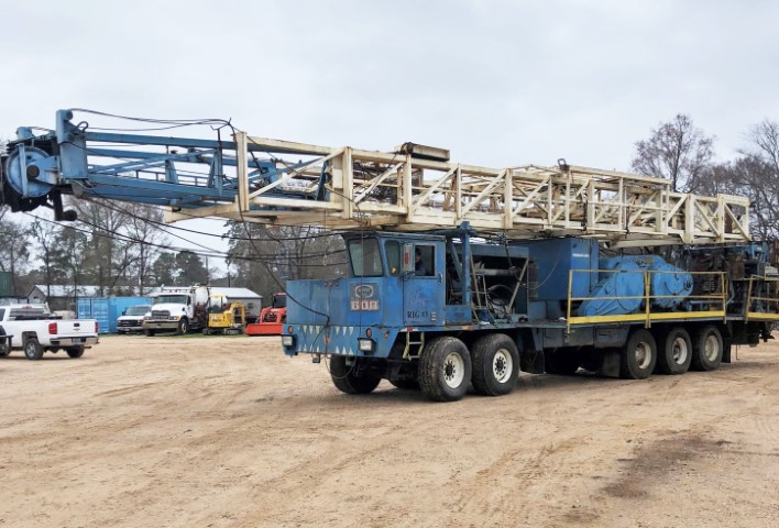 KREMCO 600 Well Service Rig (M) (Small)