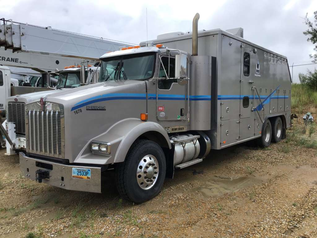 2015-Kenworth-T800-Wireline-Truck