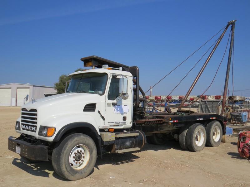 2003 MACK CV-713 Gin Pole Truck – YD2