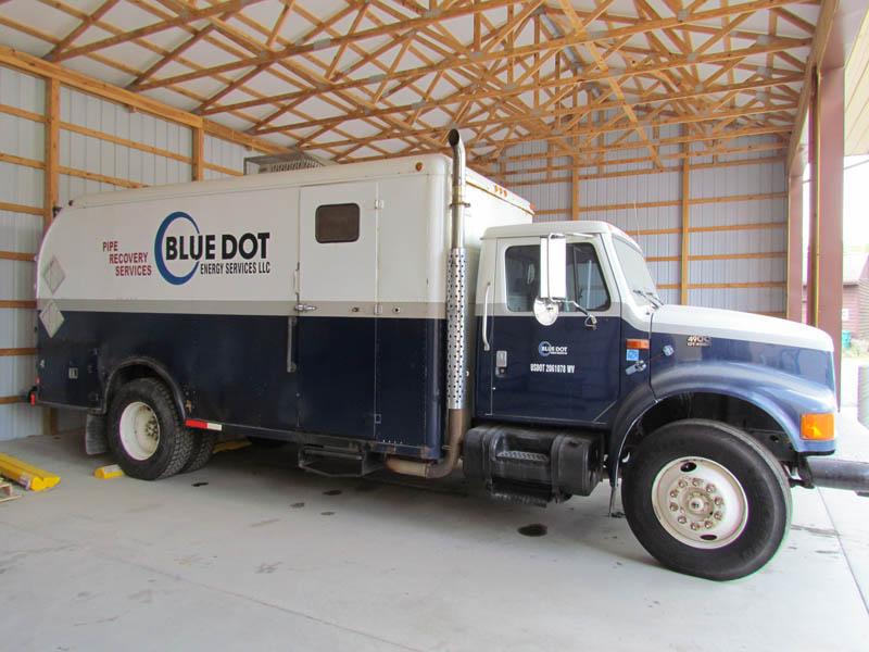 INT'L 4900 Wireline Truck – DY1 YD2