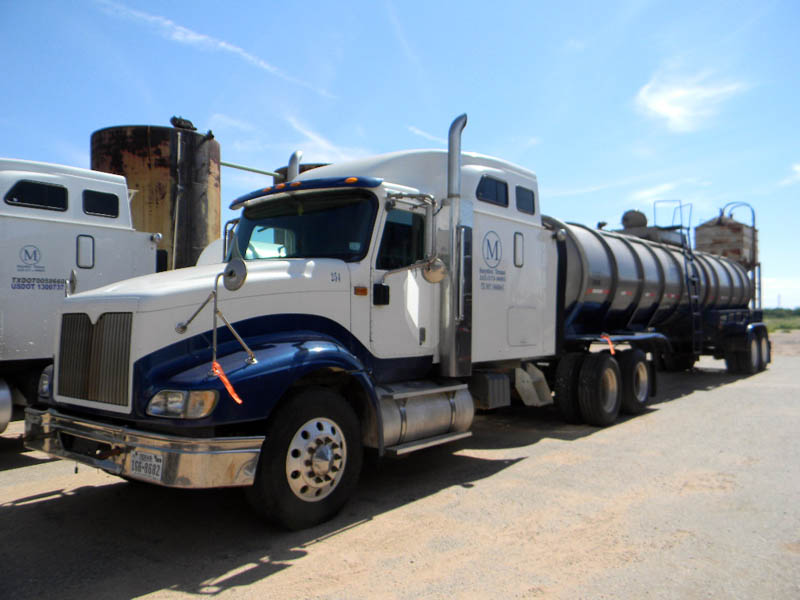 2005 INT'L 9400i T/A Vac Truck – DY1 YD3