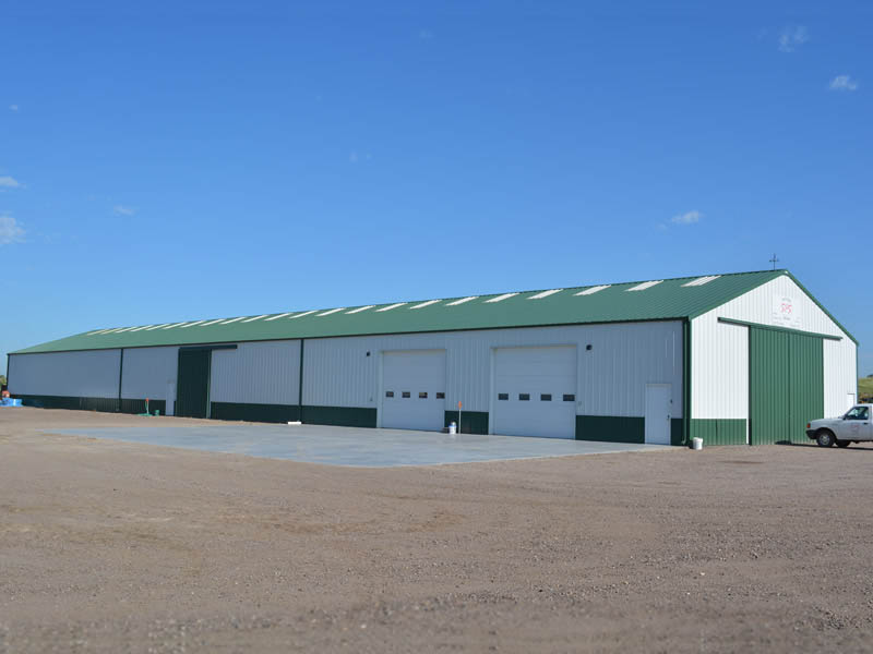 144 Acres w/48' x 200' Shop & Grassland