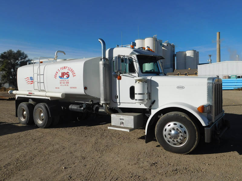'99 PETE 4,000-Gal Water Truck