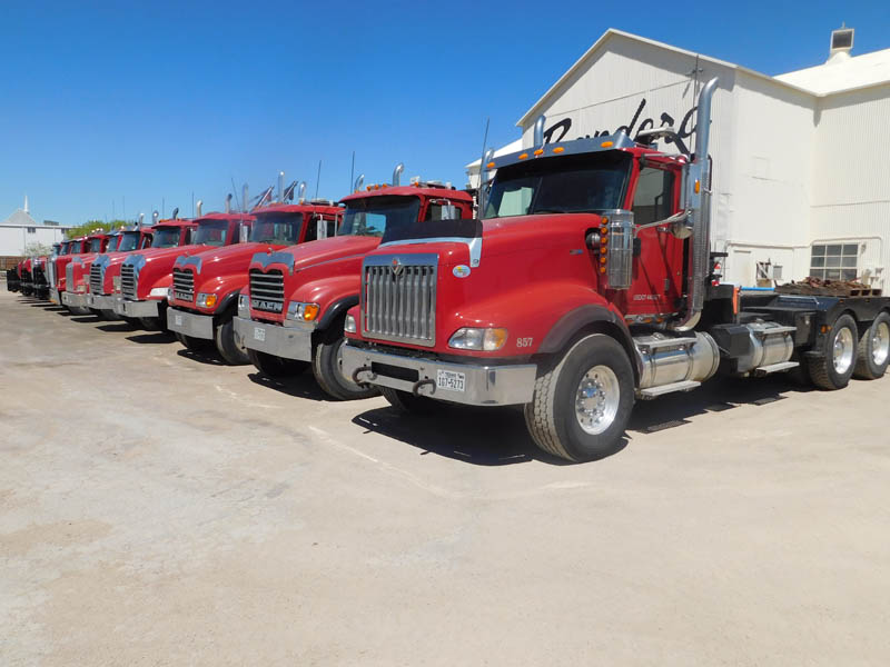 MACK & INT'L Rig Moving Fleet