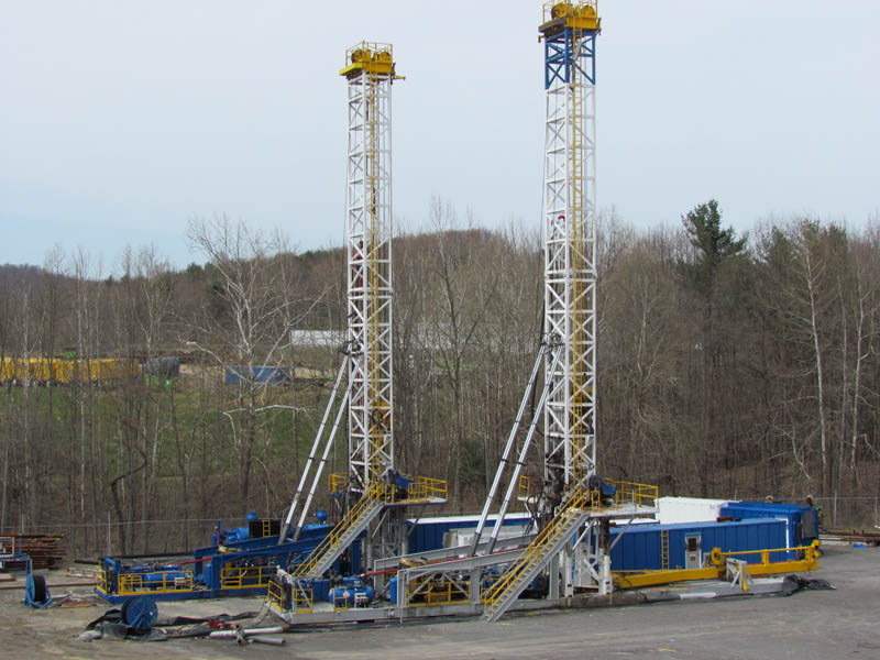 (2) MD COWANS 525M Drilling Rigs
